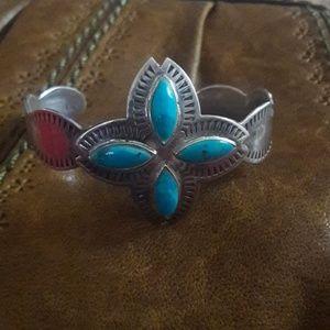 Vintage Navajo Turquoise and Silver Bracelet